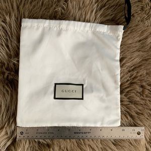 Authentic silky GUCCI dust bag/ pouch